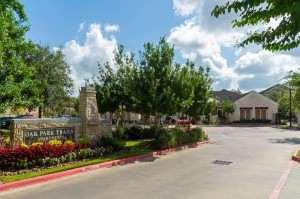 Apartments in Katy, TX - Community Sign and Entrance